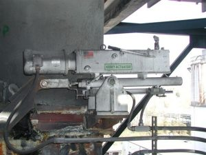 JE-30 Actuator with Optional Manual Pump on Scrubber Inlet Damper